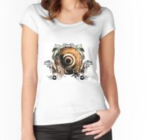 East Meets West – Women's Fitted Scoop T-Shirt