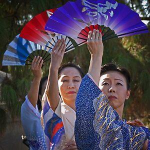 Fan dancers by © Linda Sparks