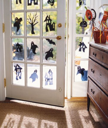 Craft-Project-Spooky-Window-Decals