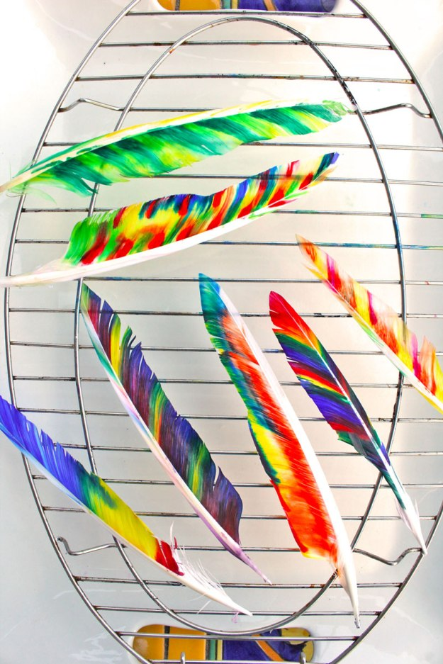 Thanksgiving-crafts-for-kids-Fancy-Feathers-BABBLE-DABBLE-DO-drying