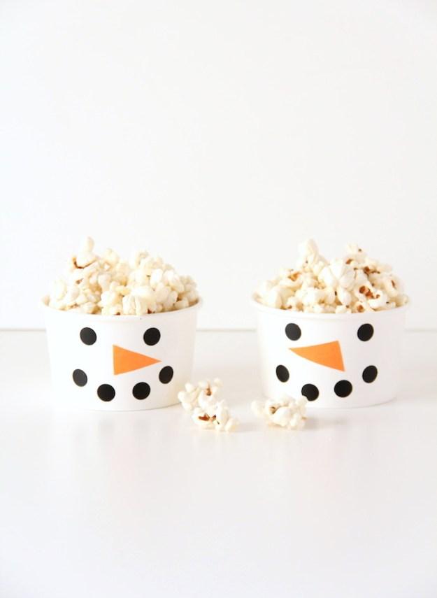 чашки снеговики