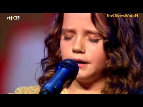 Девятилетняя девочка исполнила оперную арию. Вот это чудо!