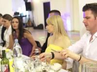 Парень на свадьбе развеселил себя сам