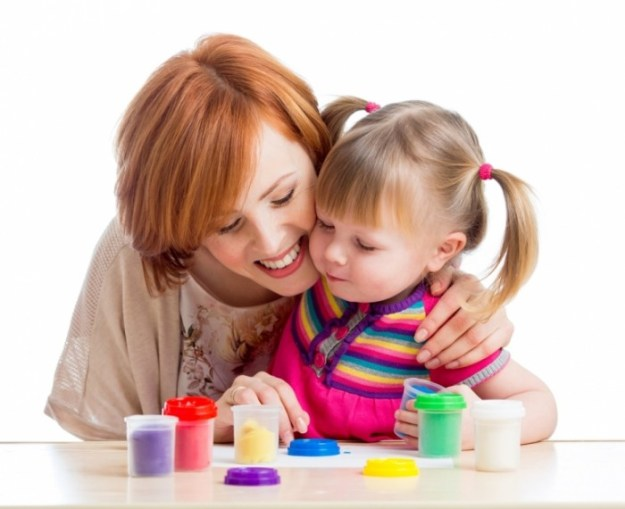Mother-and-Child-shutterstock_126377087-700x571