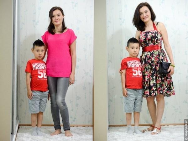 сын выбирает маме одежду