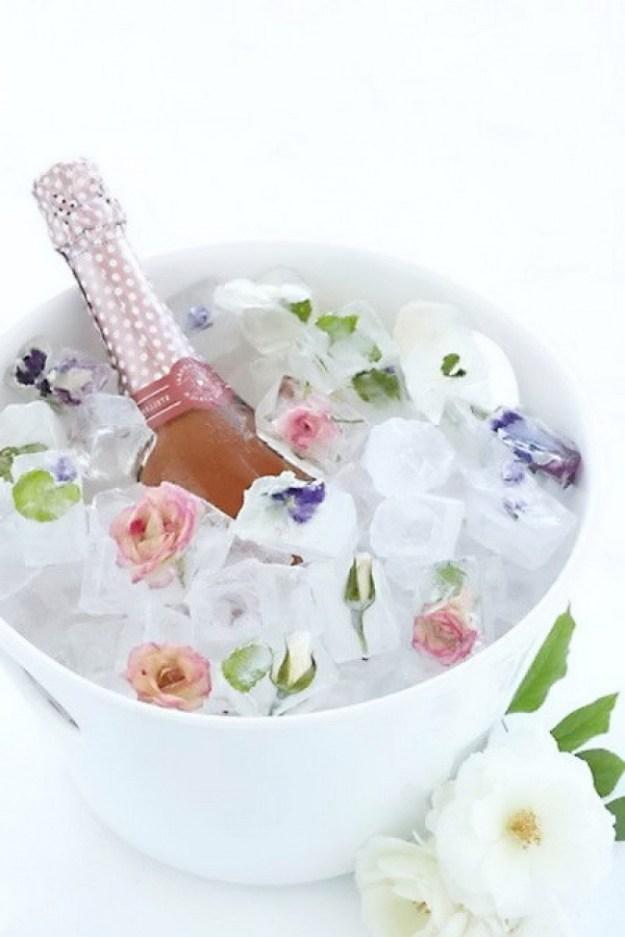заморозить цветы