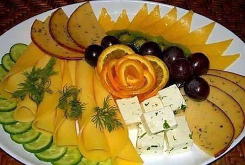 Сыры отлично сочетаются с фруктами