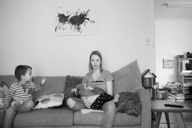 tired-of-staged-breastfeeding-photos-i-started-shooting-it-in-all-its-beautiful-messiness-17__880