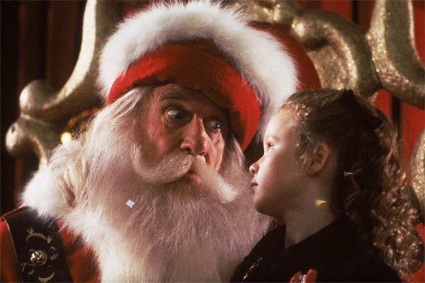 Всё, что я хочу на Рождество (США, 1991). Еще один фильм о детях, которые пытаются объеденить семью, и о Санта Клаусе, который помогает им в этом