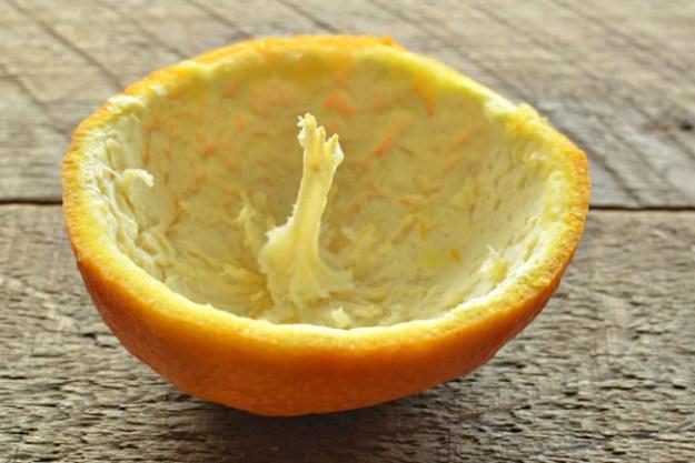 делаем свечу из апельсина