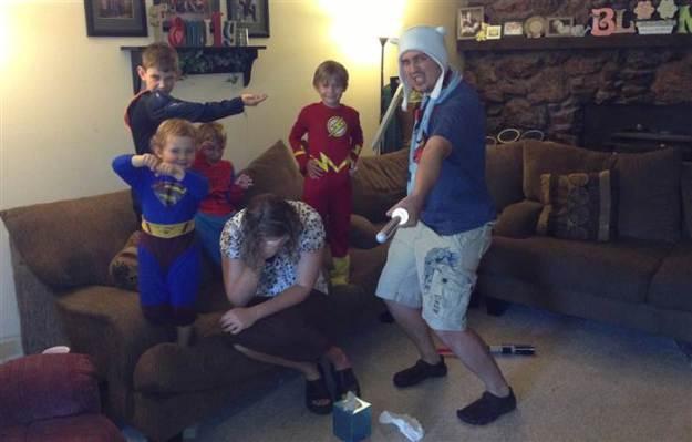 Когда в семье мама единственная женщина, ее мужчины - супергерои