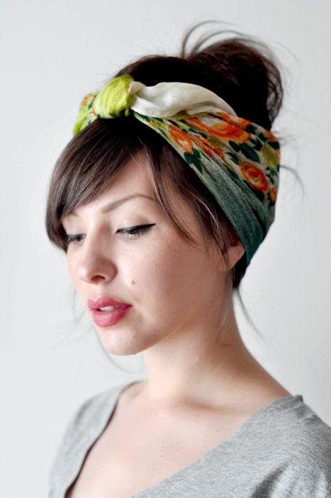 Платок узелком - красиво смотрится на аккуратно или небрежно собраных волосах