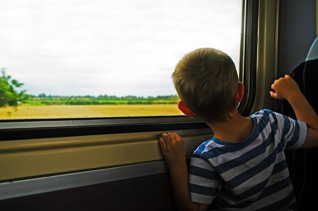 7 способов занять ребенка в дороге