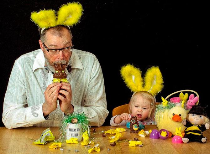папа с дочкой играют