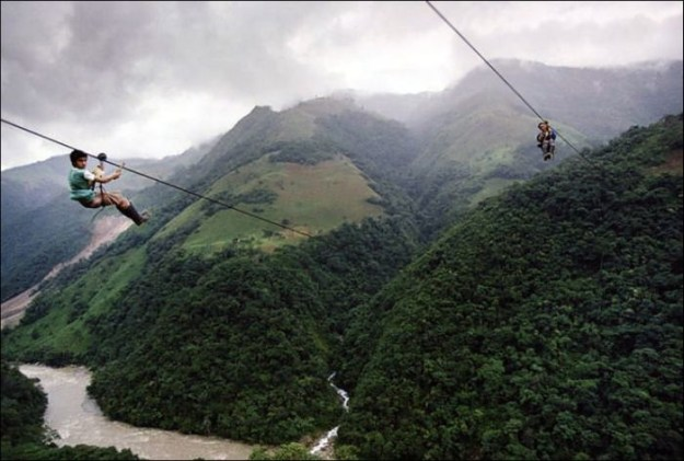 800-метровый стальной трос в 400 метрах над рекой Рио-Негро в Колумбии2