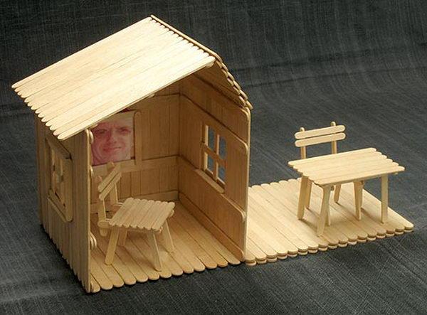 дом и мебель из палочек