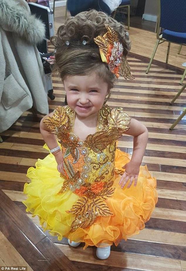 малышка участвует в конкурсах красоты