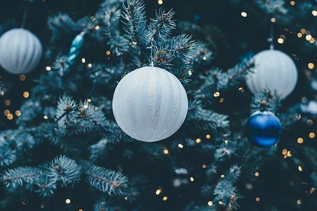 Подготовка к Новому году со снежинками: часть третья