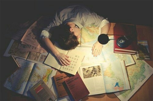 Сон вместо зубрёжки – как эффективнее готовиться к экзаменам