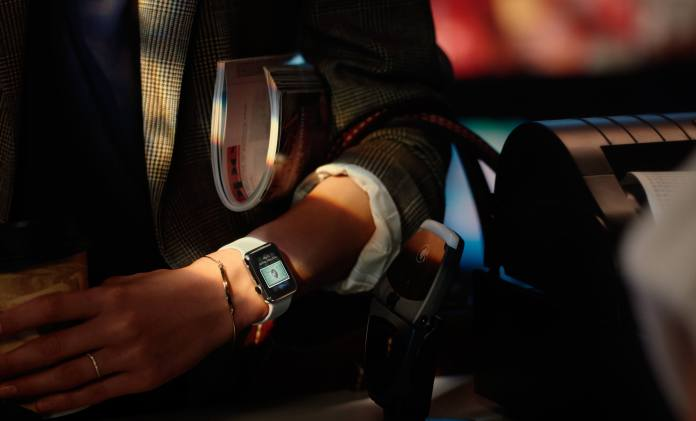 Apple Introduces watchOS 2 with Native Apps and New Gold & Rose Gold Aluminum Apple Watch Sport Models