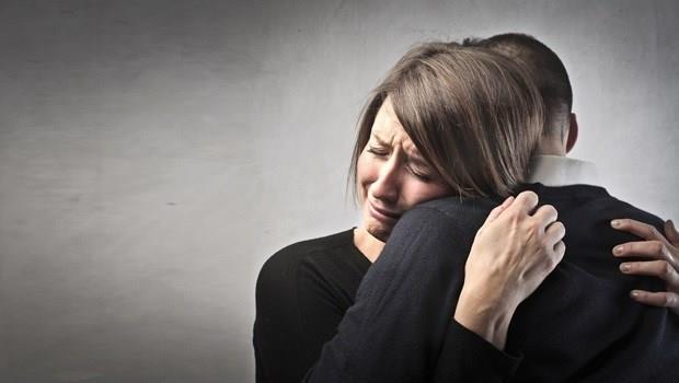 罹癌丈夫的一句話,讓妻子不但不離不棄更感動的說:我是運氣最好的女人