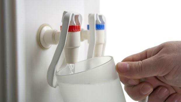 別以為煮開就沒事!醫師警告:這9種日常生活出現的水,別喝!