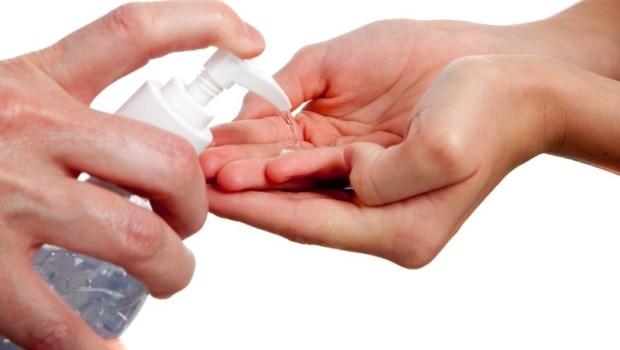 消毒洗手液這麼多款,對抗流感該買哪一種?兒科醫師一張表總整理