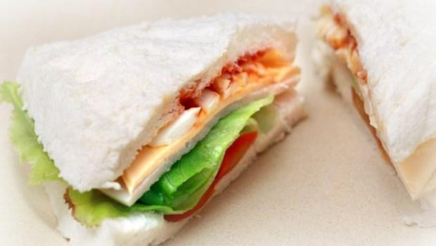 吃錯午餐,下午昏昏欲睡!營養師教你吃「三明治」取代便當,降醣又健康