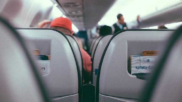 「你不知道孕婦很辛苦?怎麼沒安排我坐商務艙」一個資深座艙長的無奈:飛機沒有博愛座