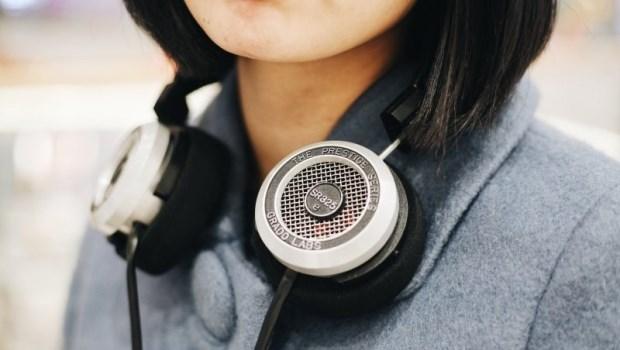年輕戴耳機,等老了就帶助聽!別輕忽,謀殺聽力的3大不良習慣