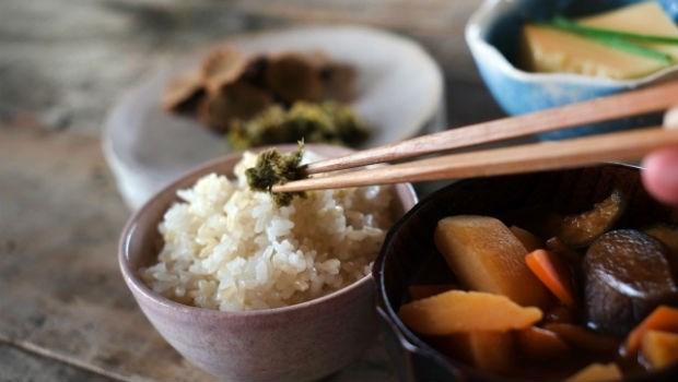 中醫師獨門「飢餓」養生術:台灣人只關心「吃什麼才健康」,其實「什麼時間吃」更重要