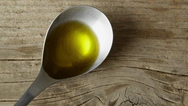 油吃錯了,就像對身體提油澆火!美國毒理學博士用一張表教你:吃對油讓身體不發炎