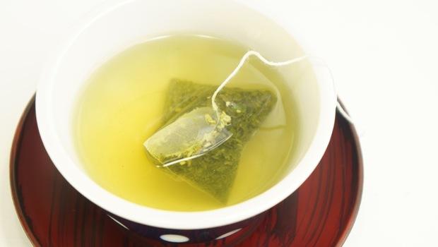 愛喝茶包恐喝下百億塑膠微粒!台大化工博士:1原則從根本解決