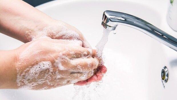 不只防武漢肺炎》這動作竟如此偉大!只是「洗手」,竟救了19世紀的媽媽們