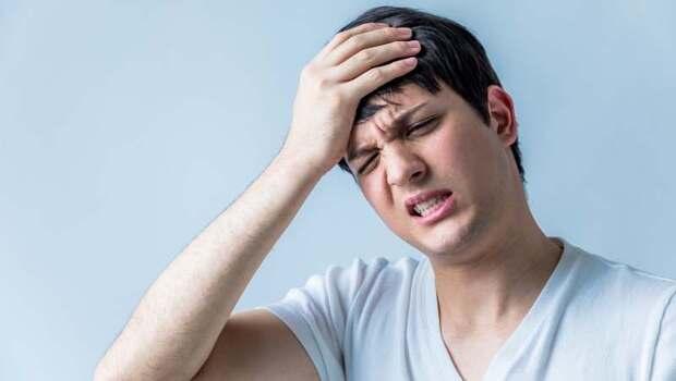 有檢測表》你有「偏頭痛」嗎?恐是腦出血、腦腫瘤...8種腦部嚴重疾病,腦神經外科醫師教你找出原因