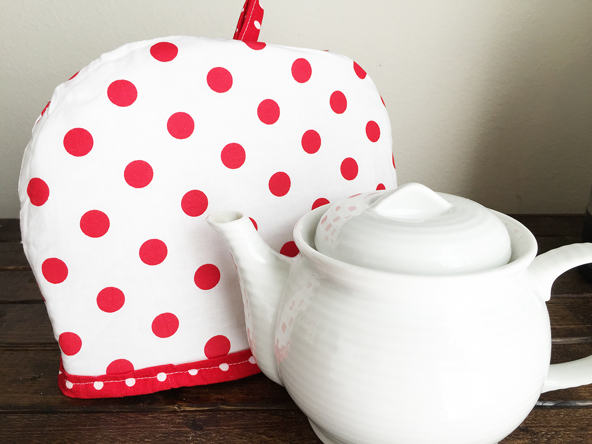 Valentine's Day Tea Cozy - I Heart Craft Time