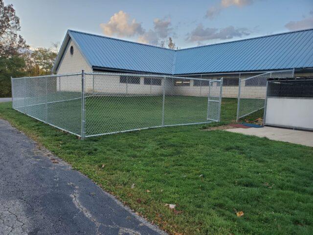 Dog play yard