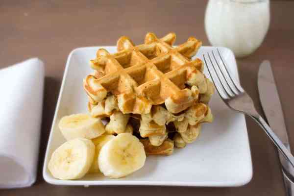 Banana Bread Waffles {To Go}