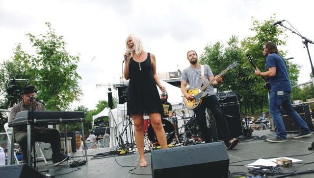 Laura Cole and band performing at Harvest Picnic 2015