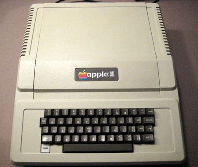 [Ye Olde] The real Triforce: Apple II, Commodore PET, and TRS-80