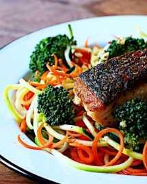 Crispy salmon fillet. Paleo Whole30 meal prep. I Heart Umami meal prep challenge.