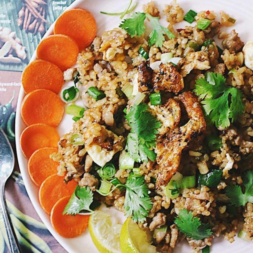 Paleo coconut fried rice. Paleo fried rice. Paleo Chinese fried Rice. Paleo Thai fried Rice.