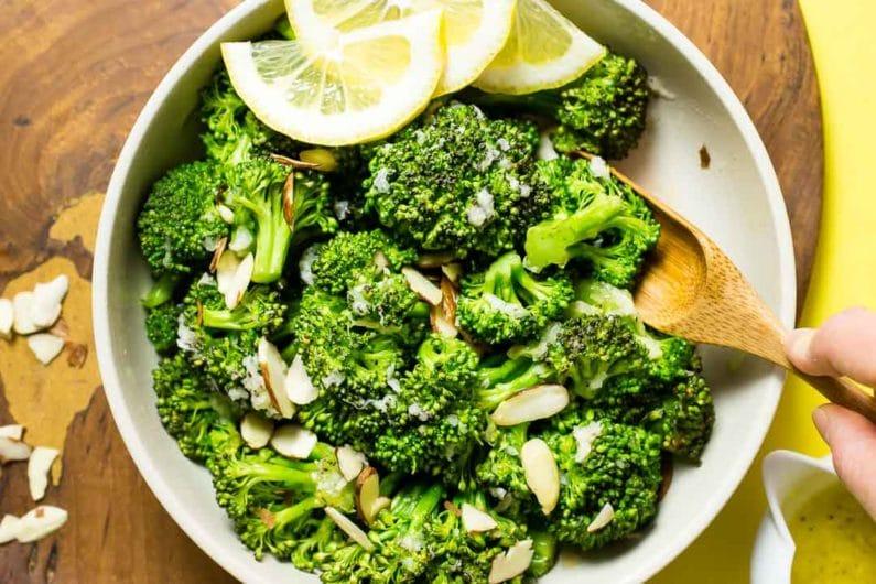 Lemon Garlic Paleo Broccoli Recipe