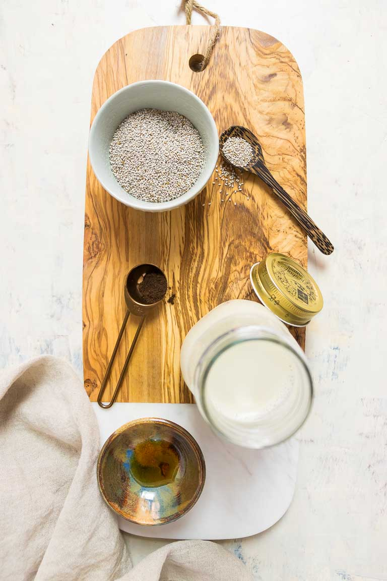 How to make Paleo Strawberry Chia Pudding Ingredients