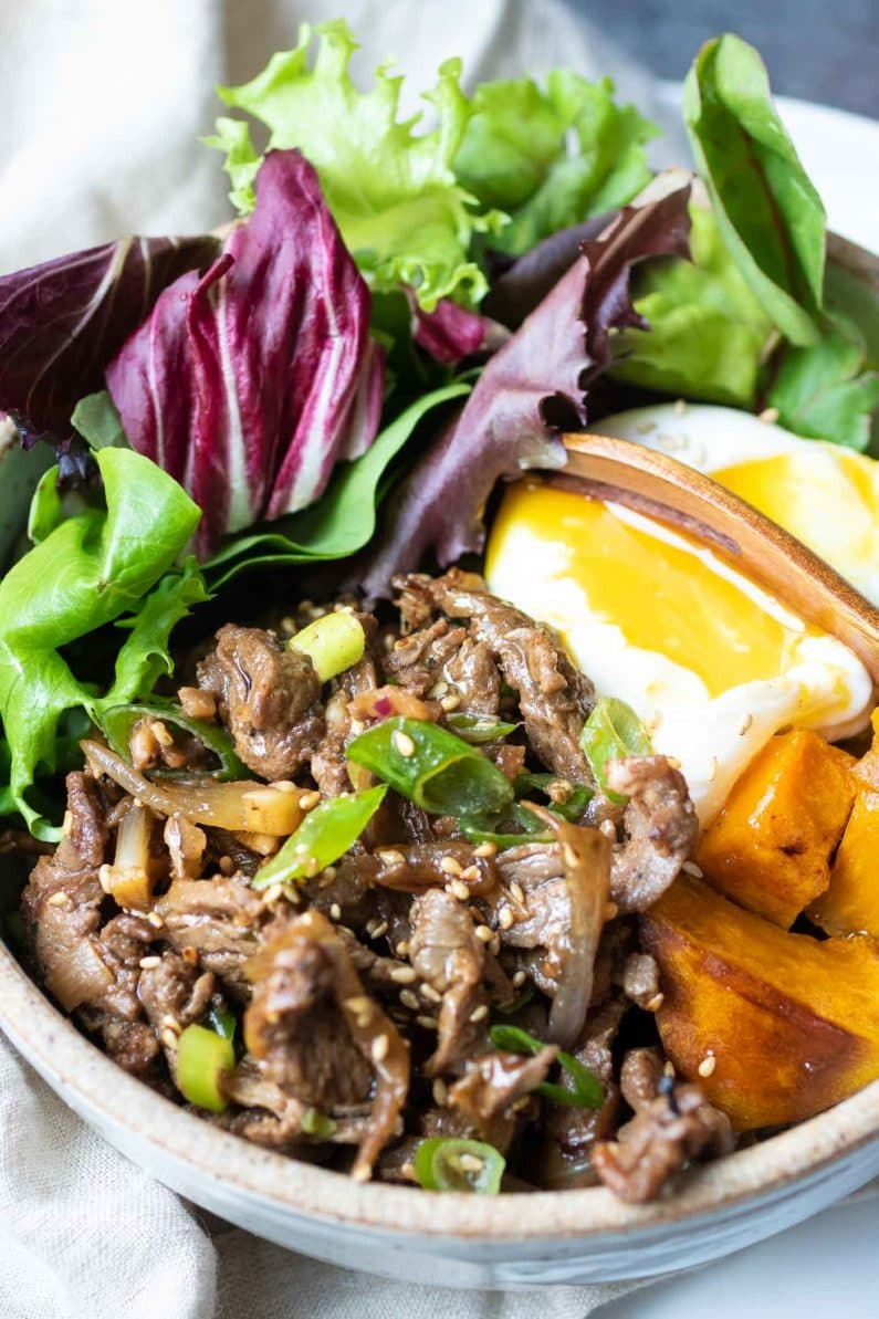 Easy Whole30 Korean Beef Bowl Recipe with savory and sweet Korean bulgogi sauce.