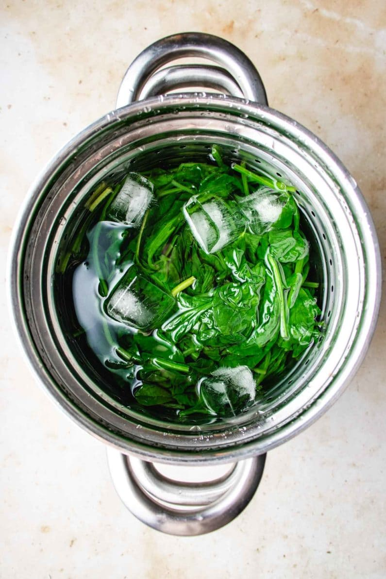 Blanched spinach in ice cod water