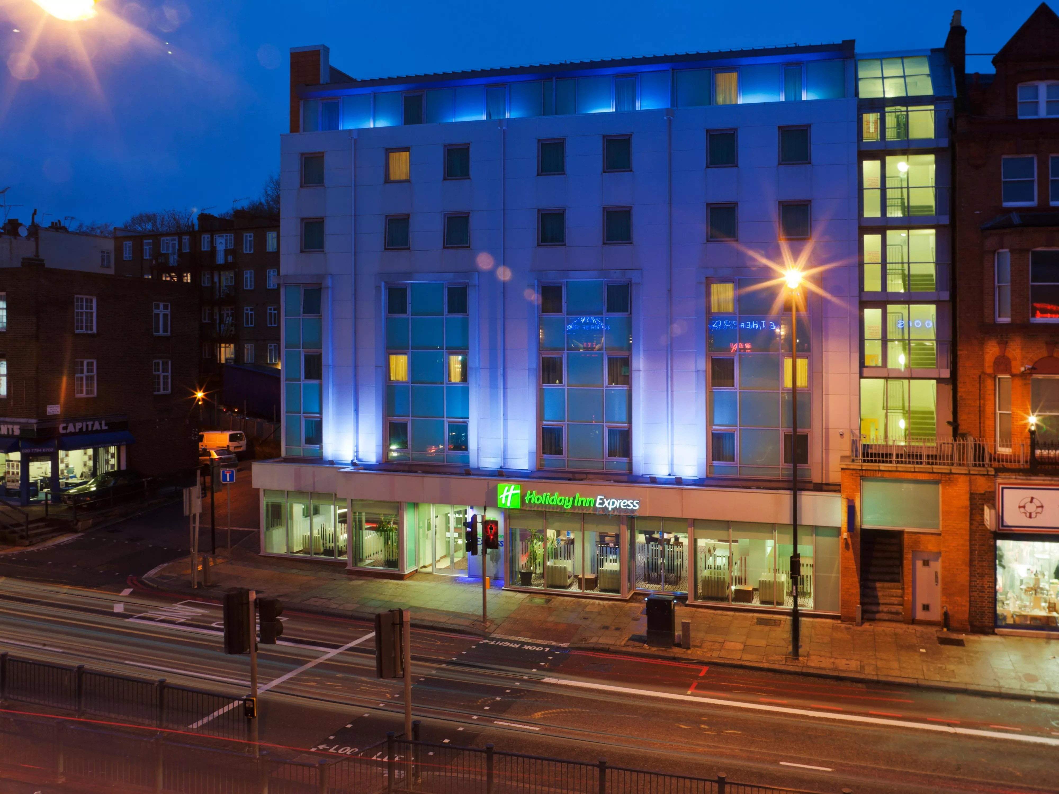 Holiday Inn Express Hotel London Swiss Cottage