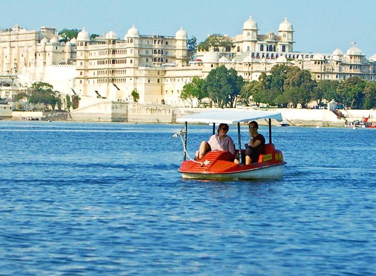 boating-udaipur-lake