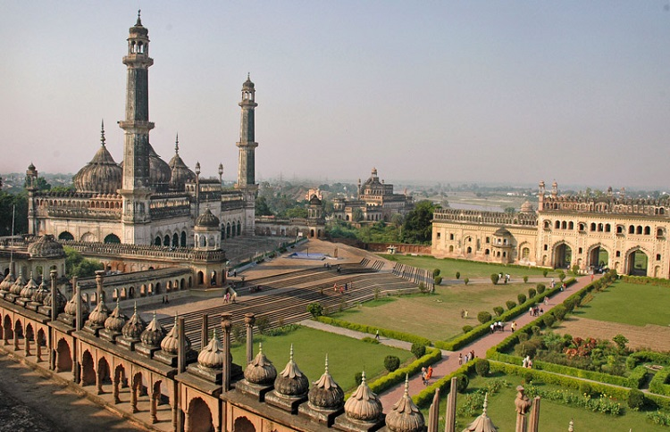 Bara Imambara - Places to visit in Lucknow