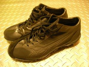 足底腱膜炎と野球のスパイク